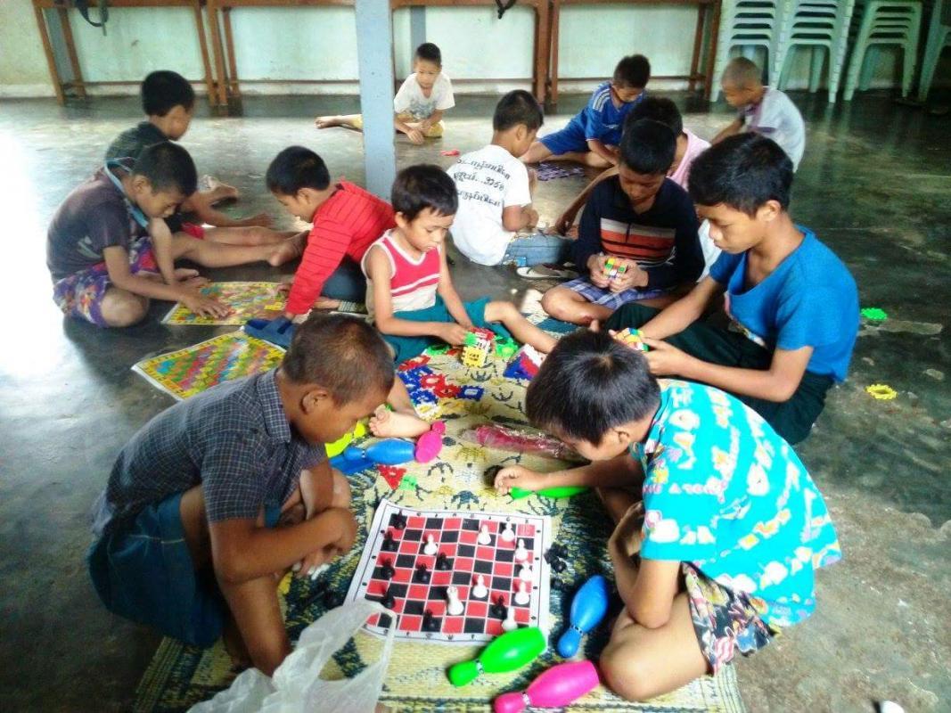 Myanmar children 4